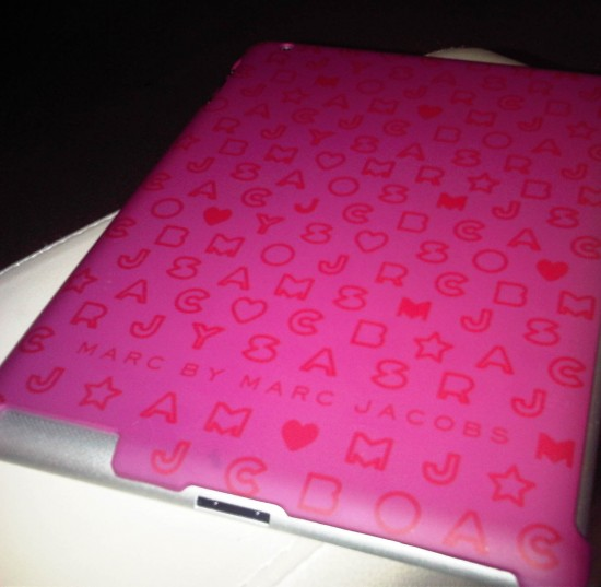 Marc by Marc Jacobs Stardust logo pink ipad snap case